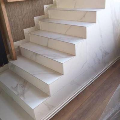 escalier kerlite christel Dubois décoratrice UFDI Reims