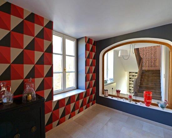 En rouge et noir en Thiérache Ardennaise